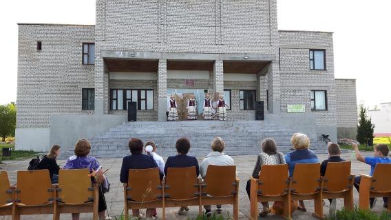 """Die """"Klub"""" Gebäude, Mittelpunkt des Kulturlebens, sehen in der gesamten ehem. Sowjetunion gleich aus"""