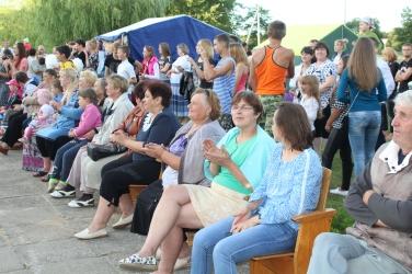 Das ganze Dorf und viele Menschen aus der Umgebung waren versammelt